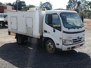 2008 Hino 300 614 Food Truck GCM 7,300kg Photo