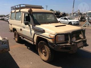 2011 Toyota Landcruiser 76/78/79 Series Workmate 11Seat Troop Carrier Photo