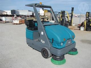 Tennant S20 Sweeper (Warehouse/foot p Spare Brushes Included Photo