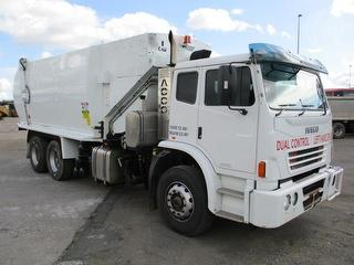 2012 Iveco Acco 2350 Garbage compactor (Side l Superior Park Body. Dual Controls. GCM 30,000kg Photo