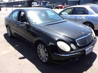 2005 Mercedes-Benz E 350 Elegance Sedan Photo