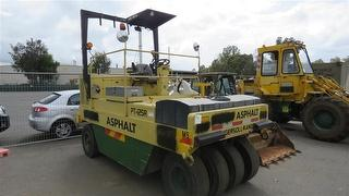 2001 Ingersoll Rand PT125R Roller (Multi wheel) 4 Wheeled. **sold Without # Plate** ATM 4,720kg Photo