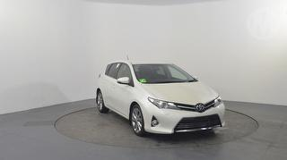 2014 Toyota Corolla ZRE18 Levin ZR 5D Hatch Photo