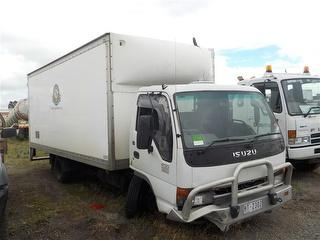 2005 Isuzu NQR450 Long Pantech GCM 12,000kg Photo