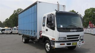 2004 Isuzu FRR 525 Long Curtainside GVM 10,400kg Photo