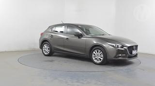 2016 Mazda MAZDA3 Touring 5D Hatch Photo