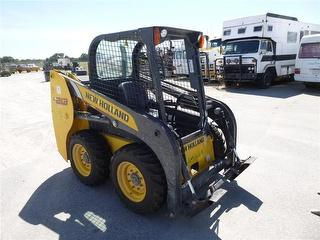 2016 New Holland L213 Loader (Skid steer) 2 Keys, No Buckets OR Attachments Photo