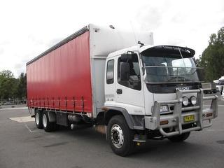 2004 Isuzu FVY1400 Curtainside GVM 21,000kg Photo