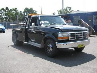 1981 Ford F350 Tow truck (Lift) GVM 4,500kg Photo