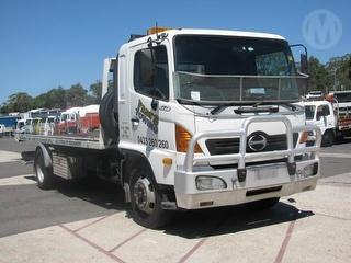 2004 Hino GD Tow truck (Tilt/Slide) GVM 12,000kg Photo