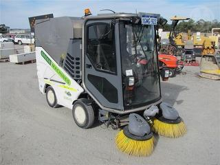 2013 Green Machines 636hs Sweeper (Warehouse/foot p Photo
