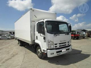 2016 Isuzu FRR500 X-long Pantech GVM 10,700kg Photo
