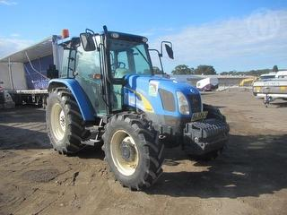 New Holland T5040 Tractor * Photo
