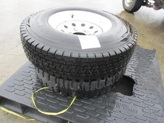 Toyo&triangle 7.50R16LT Tyres 2 Tyres ON 6stud Rims Photo