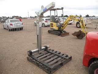 East West Engineering PHA 2000 Pallet Hook NA Forklift Attachment Photo