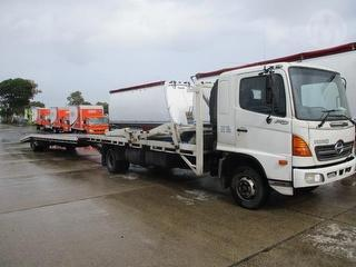 2006 Hino FD1J Car Transporter Fitted With Overcab Hoist GCM 16,000kg Photo