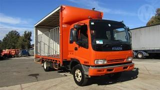 2005 Isuzu FRR550 Curtainside GVM 10,400kg Photo