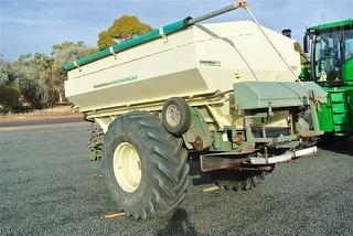 Marshall Multispread 880t Spreader Photo