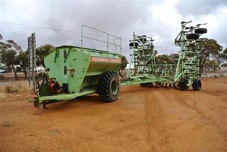 Forward Engineers 40' Seeder With 6.8T BIN Photo