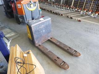 2000 Crown WP 3000 Electric Pallet Jack Photo