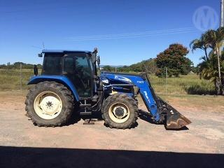 New Holland TL80 Tractor LOCATED IN INGHAM Photo