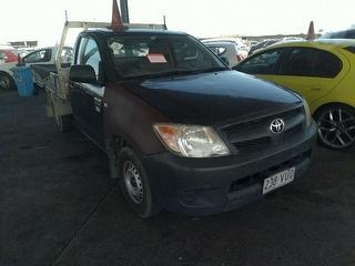 2005 Toyota Hilux WORKMATE Cab Chassis Photo