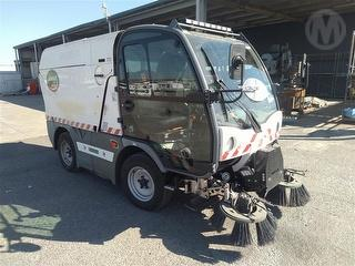 2013 Ausa B200H Sweeper (Road) Photo