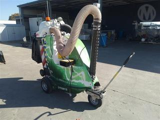 2011 Glutton 2411 Electric Motorized Vacuum Photo