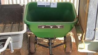 MISCELLANEOUS Fertiliser spreader Trailer, Suit Lawn Mower Photo