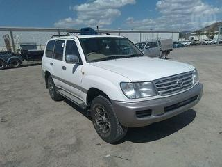 2000 Toyota Landcruiser 100 GXL 4WD Photo