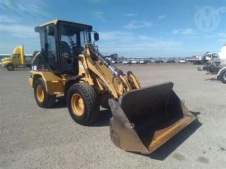 2004 Caterpillar 908 Loader (Wheeled) Photo