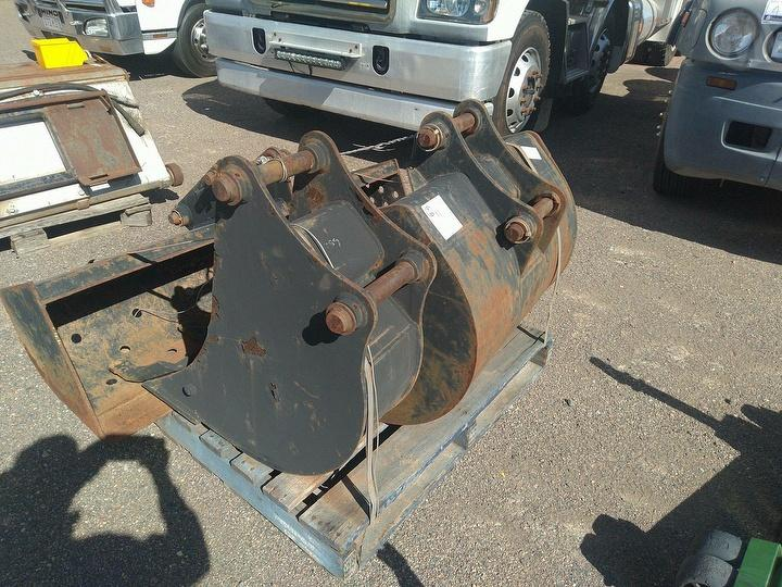 Used JCB Buckets Spare Parts For Auction in Bohle