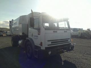 2002 Iveco Acco 2350G Garbage Compactor (Side L GVM 16,000kg Photo