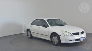 2005 Mitsubishi Magna TW ES Sedan Photo