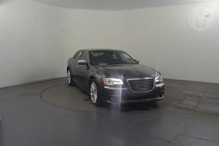 2013 Chrysler 300 C Luxury 4D Sedan Photo
