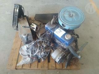 Nissan Engine And Gearbox 4cyl Spare Parts Photo