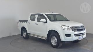 2016 Isuzu D-Max SX Low Ride 4X2 4D Dual Cab Chassis Photo