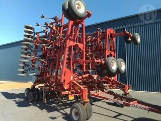 2010 Morris Maxim 3 Air Seeder Photo