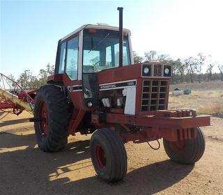 International 1086 2WD Tractor (Closes 7pm QLD) Photo