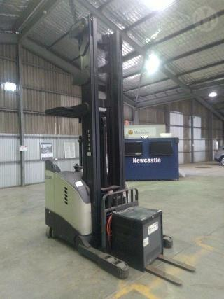 Crown RD5700 Stand Up Forklift (Reach) SWL 1,360kg Photo