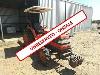 Kubota L4310D ROPS Tractor Tractor *SLASHER NOT INCLUDED* Photo