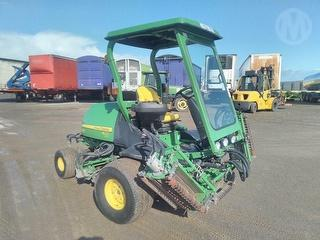 2014 John Deere 8700 Precision CUT Reel Mower Photo