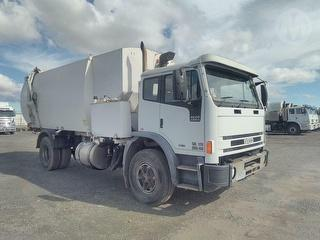 2005 Iveco Acco 2350G Garbage Compactor (Side L Photo