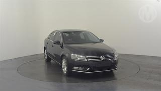 2010 Volkswagen Passat TSi 4D Sedan Photo