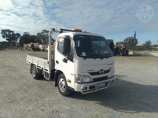 2013 Hino Tradeace 300 616 Tray GCM 7,300kg Photo