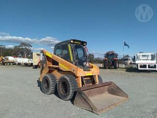 Mustang 2076 Loader (Skid steer) Photo