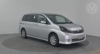 2004 Toyota Isis 5D Station Wagon Photo