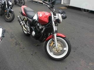 2002 Honda CB 400 Motorcycle Photo