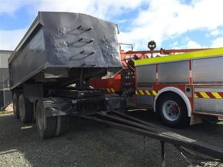 2005 Custom CWS3A TYPE37 Tipping Trailer ***Athy Place Auckland*** Photo